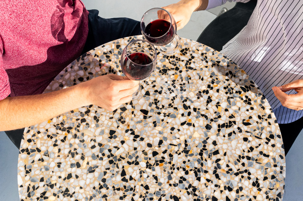 Round table top, mix of coloured marble chips