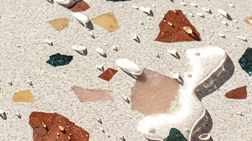 Water and Terrazzo <img src='https://www.carreaux-terrazzo.com/images4/technology/play.svg' alt='play video'>